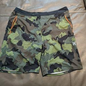 Camo hurly shorts